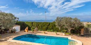 Charming villa with sea view to Palma Bay (Thumbnail 3)