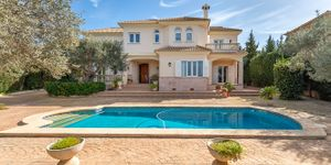 Charming villa with sea view to Palma Bay (Thumbnail 2)
