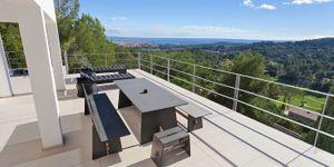 Villa in Son Vida  - modernisierte Immobilie mit Panorama-Meerblick (Thumbnail 1)
