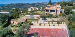 Villa for sale in Bunyola with views up to Palma (Thumbnail 5)
