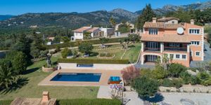 Villa for sale in Bunyola with views up to Palma (Thumbnail 2)
