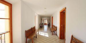 Villa in Palma - Herrenhaus mit viel Potential und Meerblick (Thumbnail 8)