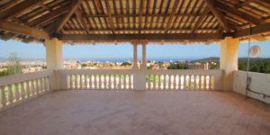 Villa in Palma - Herrenhaus mit viel Potential und Meerblick (Thumbnail 2)