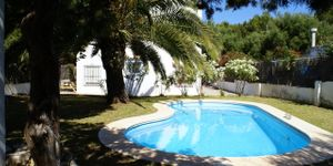 Family home with pool in Porto Colom (Thumbnail 1)