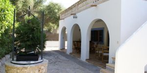 Family home with pool in Porto Colom (Thumbnail 2)
