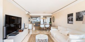Modern penthouse for sale above Port Adriano (Thumbnail 5)
