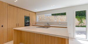 Modernized villa with sea views in Santa Ponsa (Thumbnail 6)