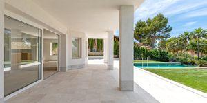 Modernized villa with sea views in Santa Ponsa (Thumbnail 7)
