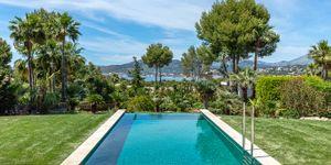 Modernized villa with sea views in Santa Ponsa (Thumbnail 2)