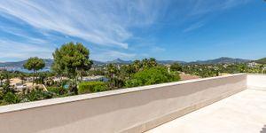 Modernized villa with sea views in Santa Ponsa (Thumbnail 8)