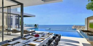 Neubau Villa in spektakulärer Lage in Cala Llamp (Thumbnail 1)