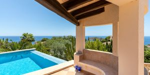 Sea view villa with guest house for sale in Nova Santa Ponsa (Thumbnail 9)