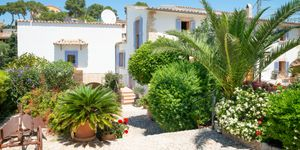 Modernized Mediterranean villa with pool in Bonanova (Thumbnail 7)
