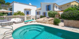 Modernized Mediterranean villa with pool in Bonanova (Thumbnail 1)