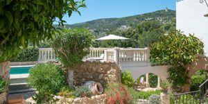 Modernized Mediterranean villa with pool in Bonanova (Thumbnail 4)