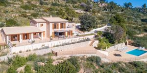 Finca in Andratx - Mediterranes Anwesen mit Meerblick (Thumbnail 1)