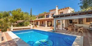 Villa in Bendinat - Anwesen mit Ferienvermietlizenz und Meerblick (Thumbnail 1)
