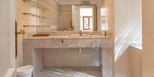 Villa in Bendinat - Anwesen mit Ferienvermietlizenz und Meerblick (Thumbnail 9)