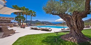 Luxus Villa in Monport mit traumhafter Aussicht auf das Meer (Thumbnail 1)