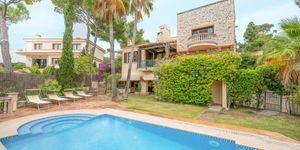Villa in Cas Catala - Anwesen mit Meerblick (Thumbnail 1)