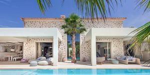 New villa for sale in exclusive area in Nova Santa Ponsa (Thumbnail 1)