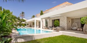 New villa for sale in exclusive area in Nova Santa Ponsa (Thumbnail 2)