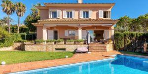 Freistehende Villa mit Teilmeerblick in die Bucht von Palma (Thumbnail 1)
