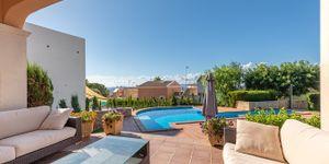 Freistehende Villa mit Teilmeerblick in die Bucht von Palma (Thumbnail 3)
