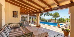 Villa mit Panoramablick in die Bucht von Palma (Thumbnail 4)
