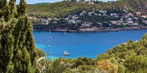 Villa im Fincastil mit Blick in die Bucht von Camp de Mar (Thumbnail 4)