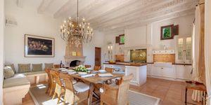 Villa im Fincastil mit Blick in die Bucht von Camp de Mar (Thumbnail 6)