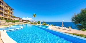 Apartment in Sol de Mallorca - Luxusimmobilie in erster Meereslinie (Thumbnail 1)