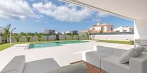 Designer Neubau Villa mit Blick in die Bucht von Palma (Thumbnail 4)