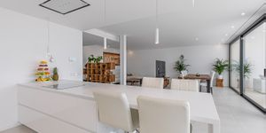 Designer Neubau Villa mit Blick in die Bucht von Palma (Thumbnail 7)