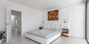 Designer Neubau Villa mit Blick in die Bucht von Palma (Thumbnail 10)