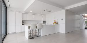 Designer Neubau Villa mit Blick in die Bucht von Palma (Thumbnail 6)