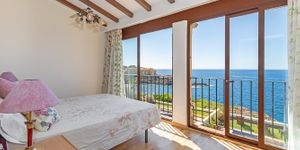 Charming house in first sea line in Nova Santa Ponsa (Thumbnail 10)