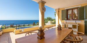 Charming house in first sea line in Nova Santa Ponsa (Thumbnail 3)