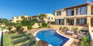 Charming house in first sea line in Nova Santa Ponsa (Thumbnail 4)
