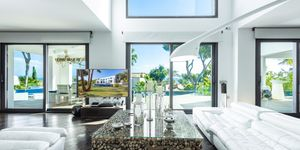 Designer Villa mit Meerblick in Cala Vinyas (Thumbnail 5)
