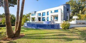 Designer Villa mit Meerblick in Cala Vinyas (Thumbnail 1)