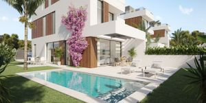 Modern luxury houses with sea views in Portocolom (Thumbnail 2)