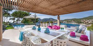 Vila s moderním interiérem a výhledem na moře v Camp de Mar, Malorka (Thumbnail 1)