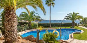 Prostorný dům s výhledem na moře v Santa Ponsa, Malorka (Thumbnail 1)