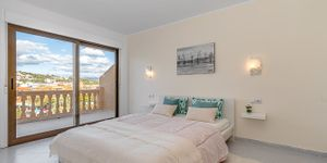 Sunny penthouse within walking distance of the beach in Santa Ponsa (Thumbnail 6)