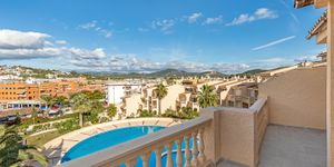 Sunny penthouse within walking distance of the beach in Santa Ponsa (Thumbnail 2)