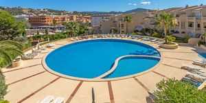 Sunny penthouse within walking distance of the beach in Santa Ponsa (Thumbnail 1)
