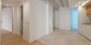 Exclusive town house with 4 apartments in a desirable location in Palma (Thumbnail 8)