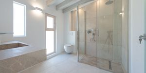 Exclusive town house with 4 apartments in a desirable location in Palma (Thumbnail 9)