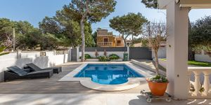 Modern villa for sale not far to Port Adriano (Thumbnail 2)